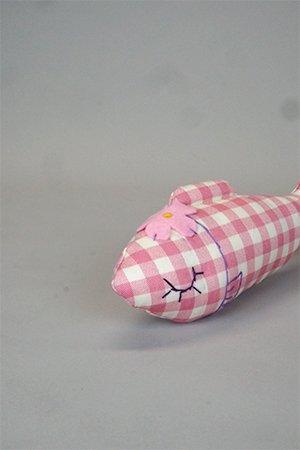画像1: ' Madam Junko'のオーガニック・キャットニップ お魚 《ピンクと白のチェック》